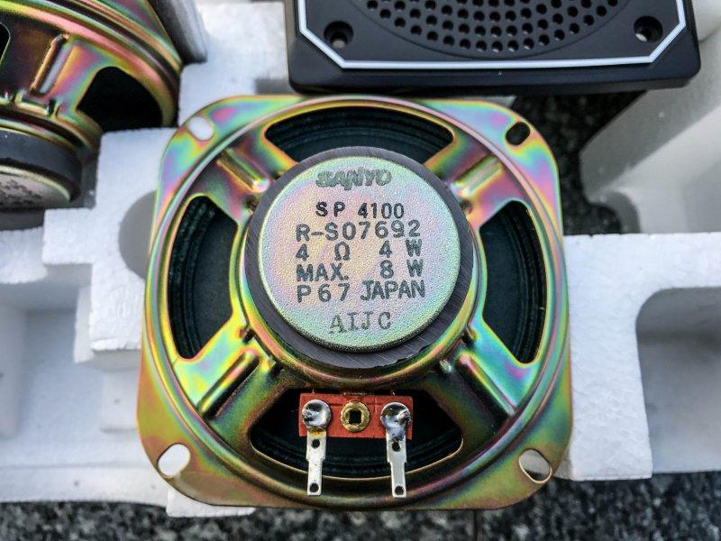 Магнитола произведена в Японии, о чем свидетельствует гордая надпись Made in Japan. Сейчас даже топо