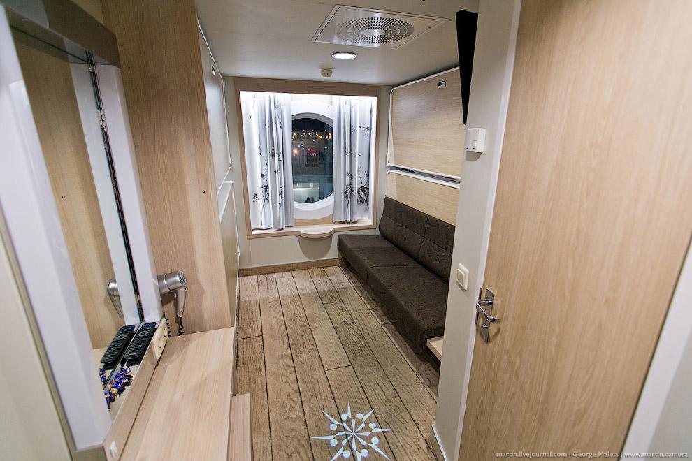 7. В каюте Seaside Four имеется телевизор, фен для волос, туалет и душ. Вариант аналогичной каю