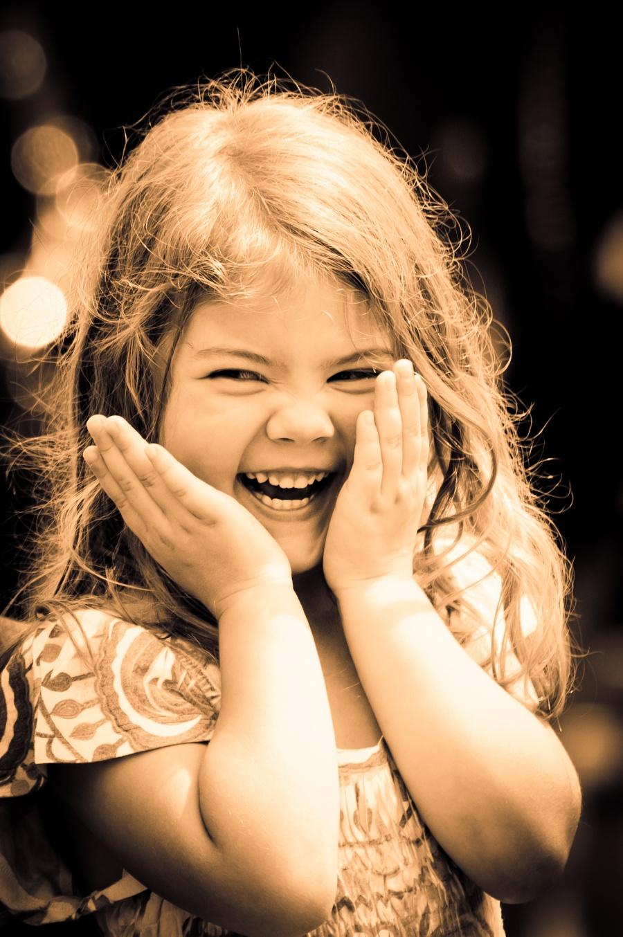 15 фотографий с самыми солнечными улыбками