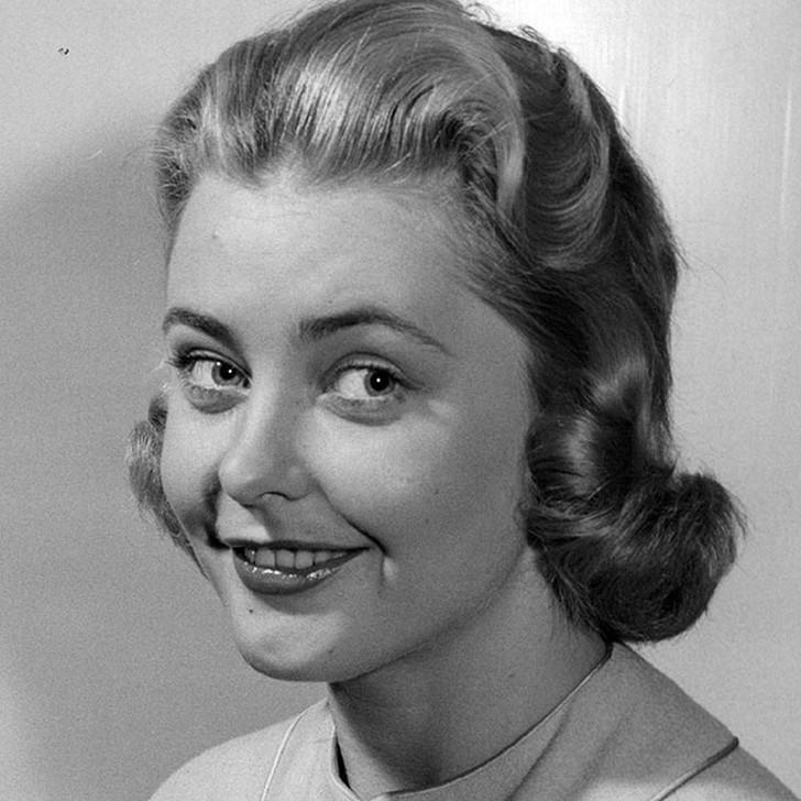 Хиллеви Ромбин, Швеция. «Мисс Вселенная — 1955». 22 года, рост 170 см.