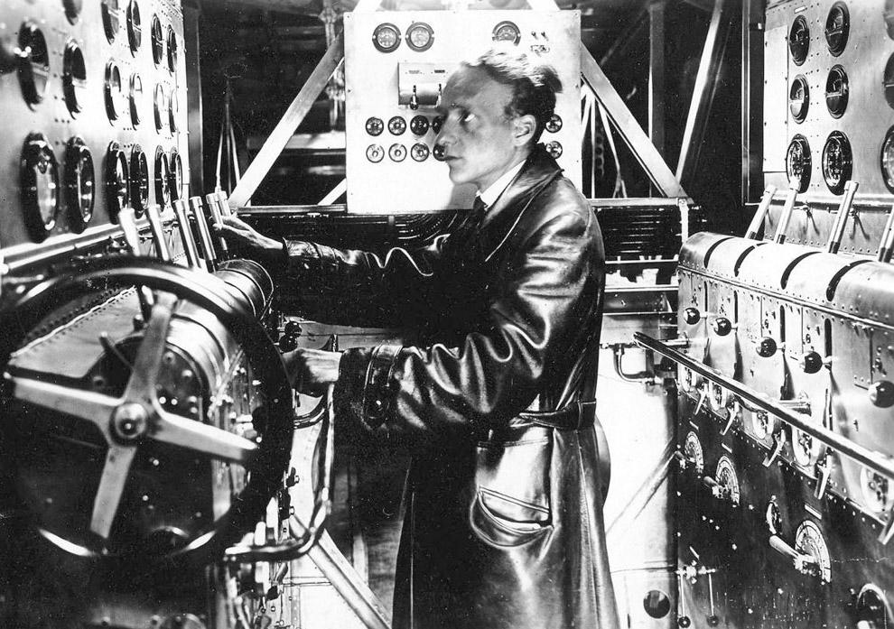 8. В 1930 году пассажирский салон Do-X полностью преобразился, превратившись в анфиладу роскошн