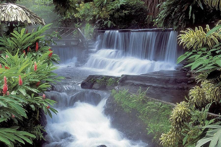 4. Горячие источники на горе Ареналь, Коста-Рика Воды в источниках Ареналя, Коста-Рика, черпают свое