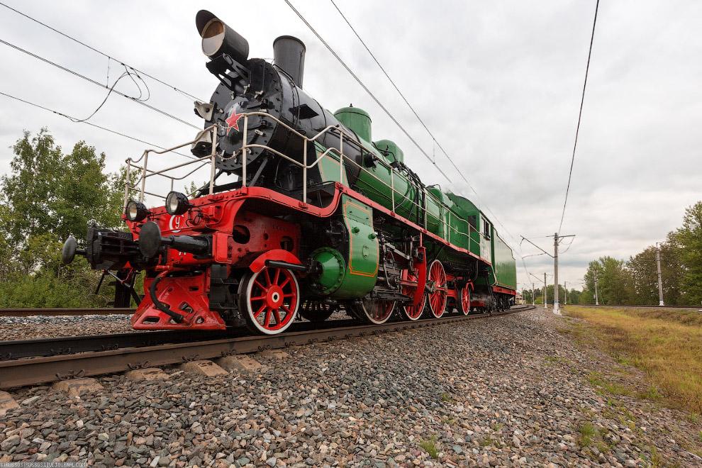 8.  ЛВ — советский магистральный грузовой паровоз , производившийся с 1952 по