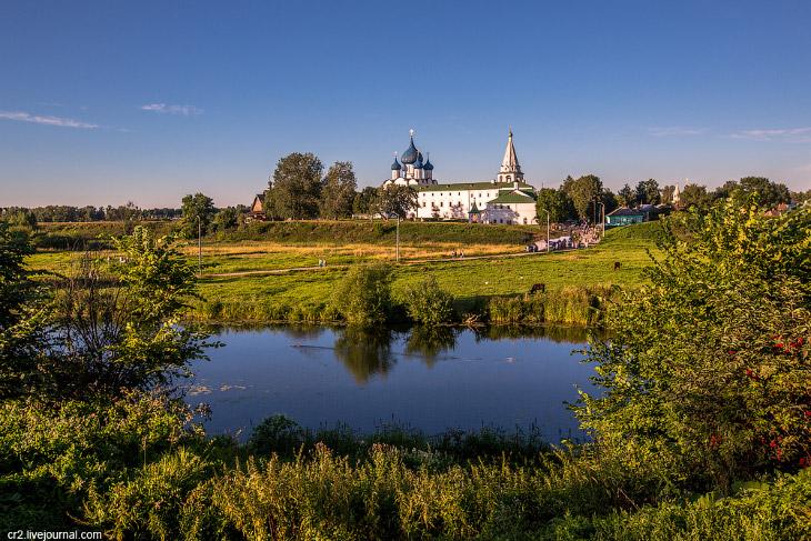 Суздаль — город множества церквей (30 фото)