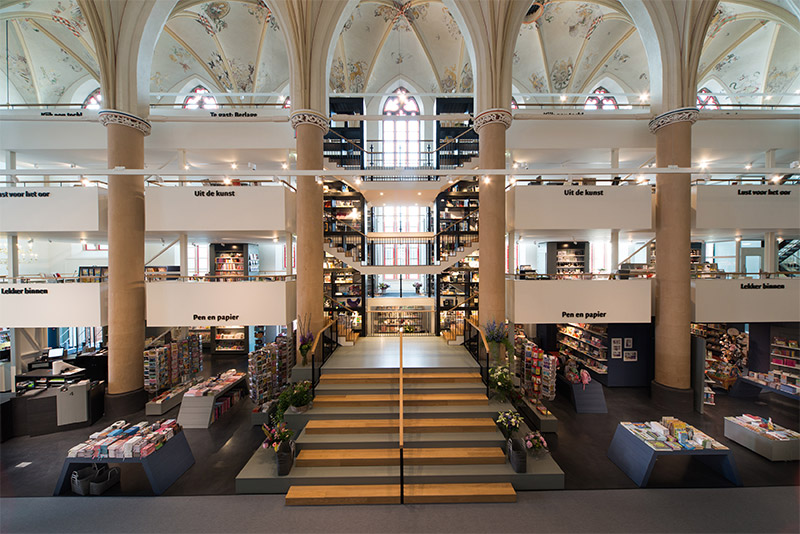 A 15th Century Cathedral Transformed into a Modern Bookstore