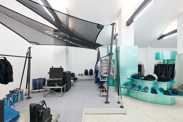 DOVER STREET MARKET OPENS IN SINGAPORE
