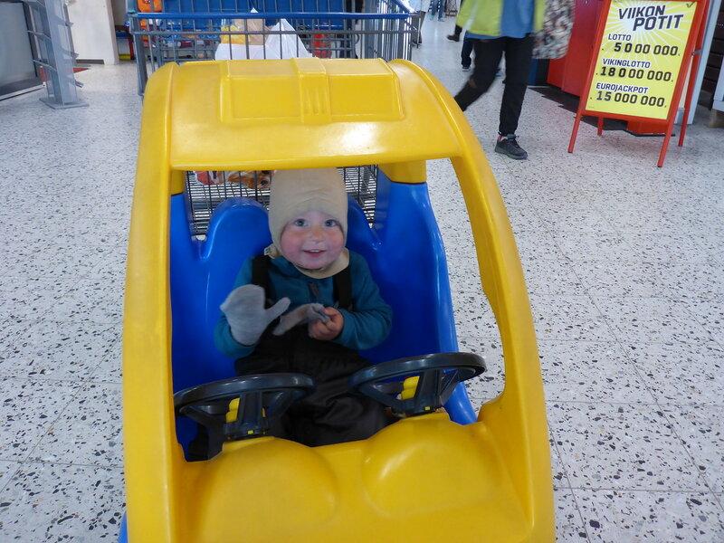 машинка для ребенка в K-market в Экясломполо (Äkäslompolo)
