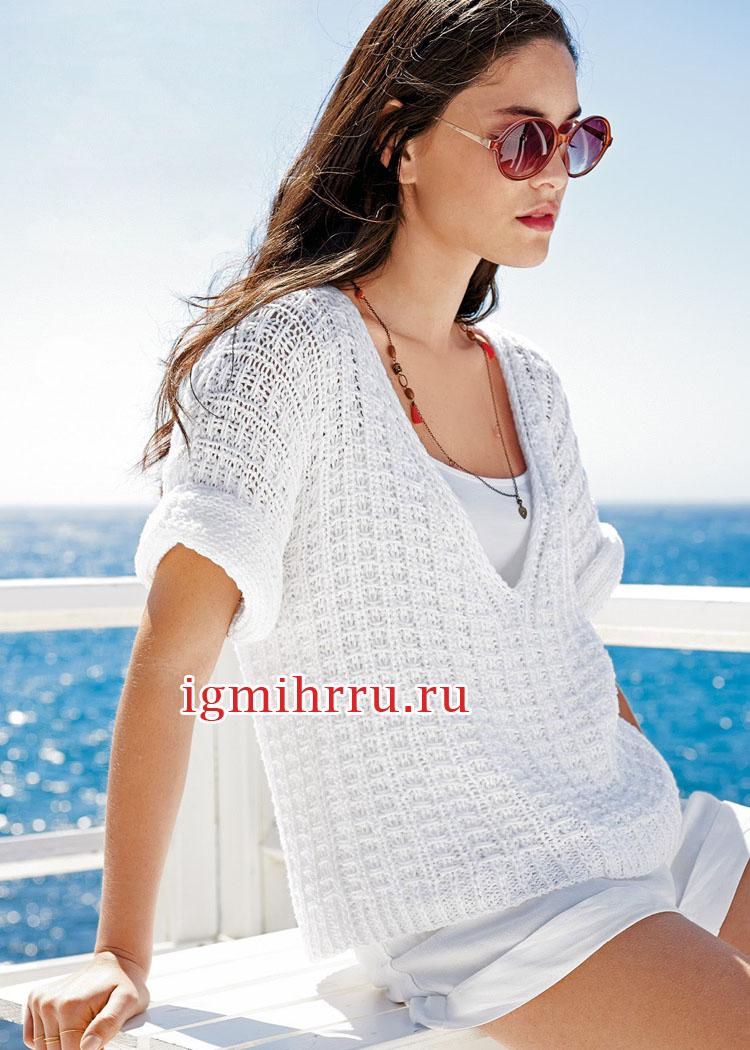 Белый летний пуловер со структурным узором. Вязание спицами