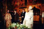 Мэр г. Калининграда Игорь Кожемякин поздравляет прихожан собора.