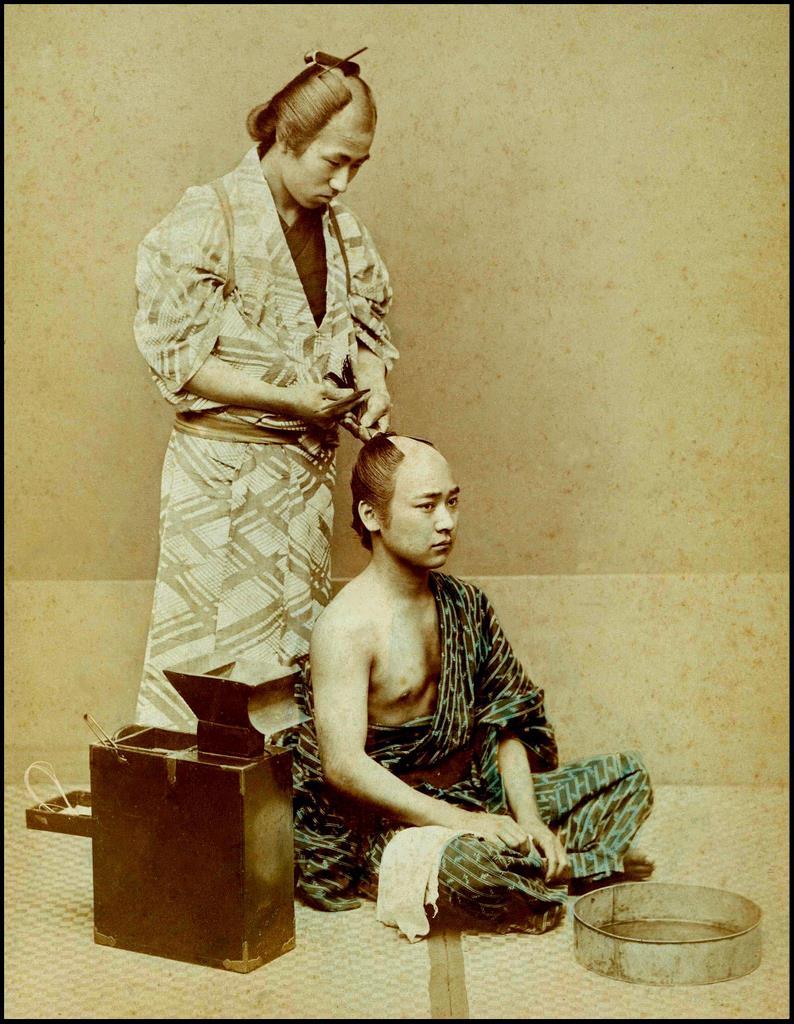 Укладка волос в стиле тёммагэ