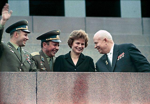 RIAN_archive_159271_Nikita_Khrushchev,_Valentina_Tereshkova,_Pavel_Popovich_and_Yury_Gagarin_at_Lenin_Mausoleum.jpg