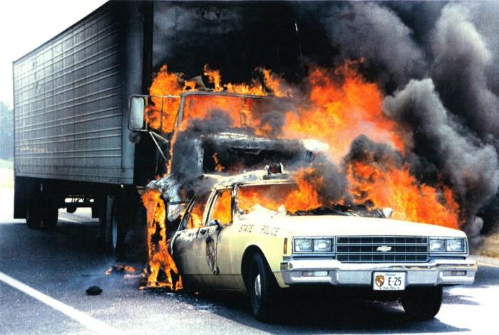 Полицаи. ( 70 фото ) 1135-5-msp-fire-crash.jpg