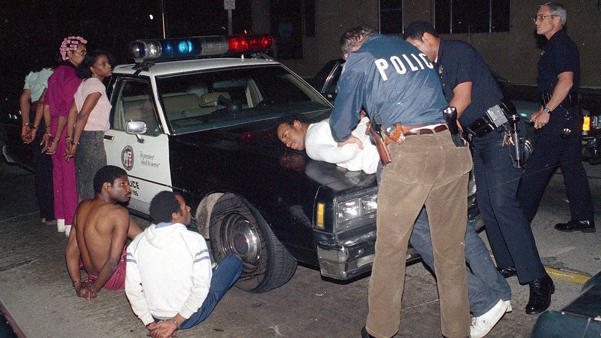Полицаи. ( 70 фото ) oFK79Ui.jpg