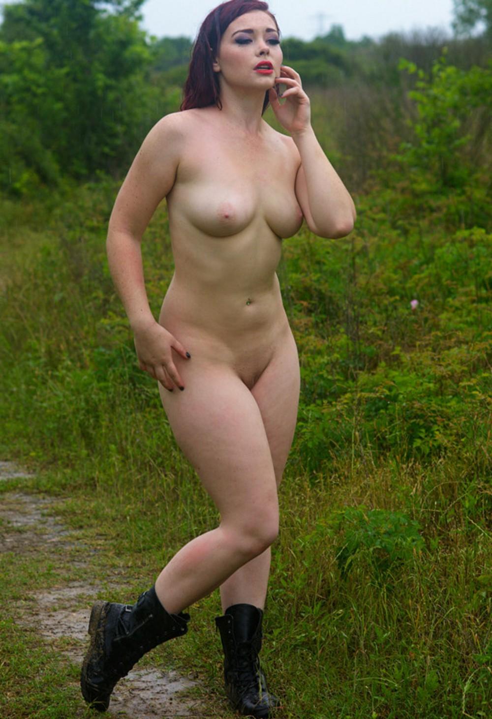 Развратные дамы в сапогах (18+)