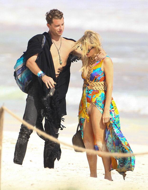 Пэрис Хилтон отдыхает на мексиканском пляже Тулум