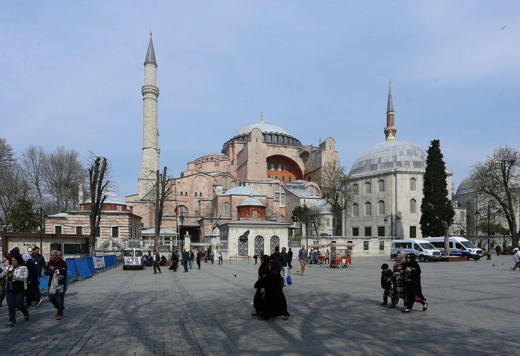 Стамбул. Площадь Айясофия (Ayasofya Meydanı)