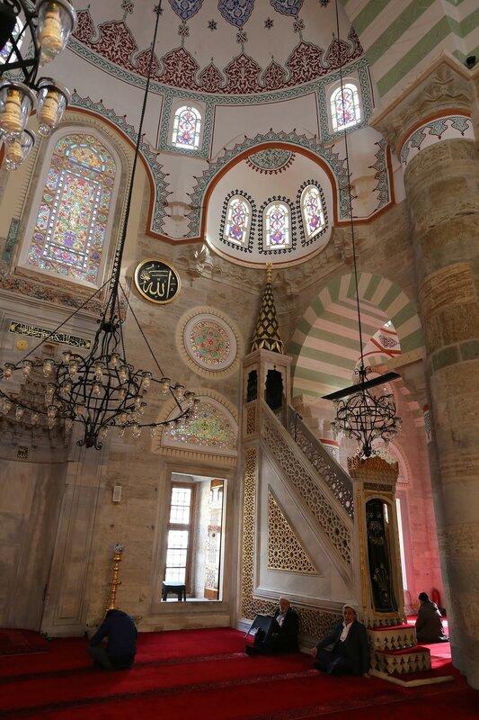 Стамбул. Мечеть Михримах-султан (Mihrimah Sultan Camii). Интерьеры