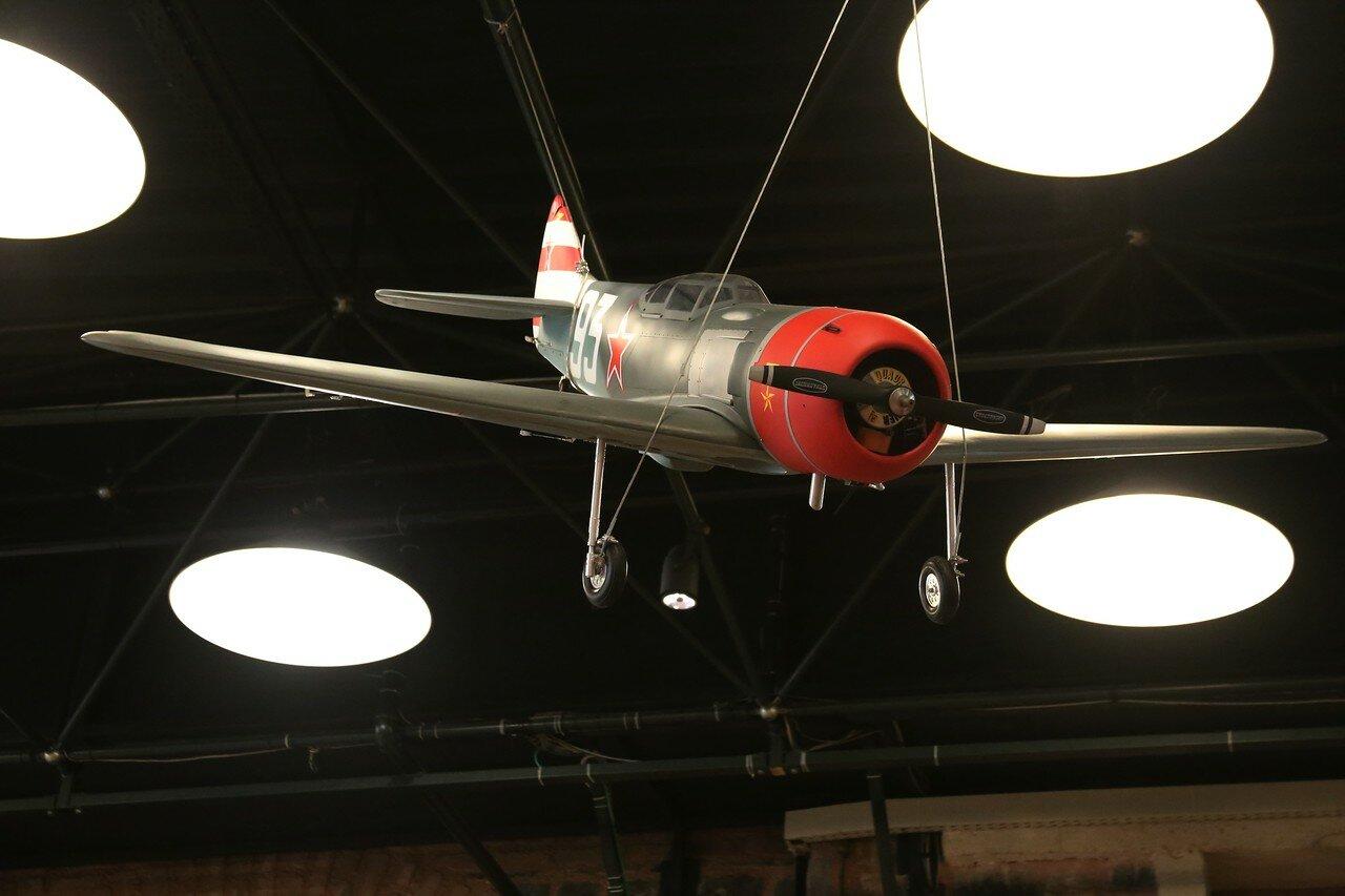 Стамбул. Музей Рахими Коча. Пилотажная авиамодель-копия советского истребителя Ла-7