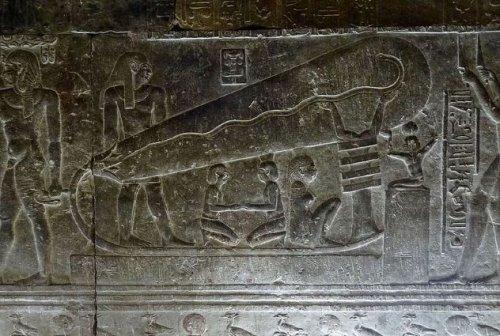 Фото: Olaf Tausch Древние египтяне оставили после себя множество надписей и иероглифов, обладающих в