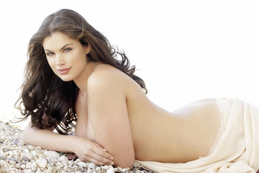 В прошлом году Хлои Маршалл победила в финале престижных соревнований «Мисс Англия». Затем девуш