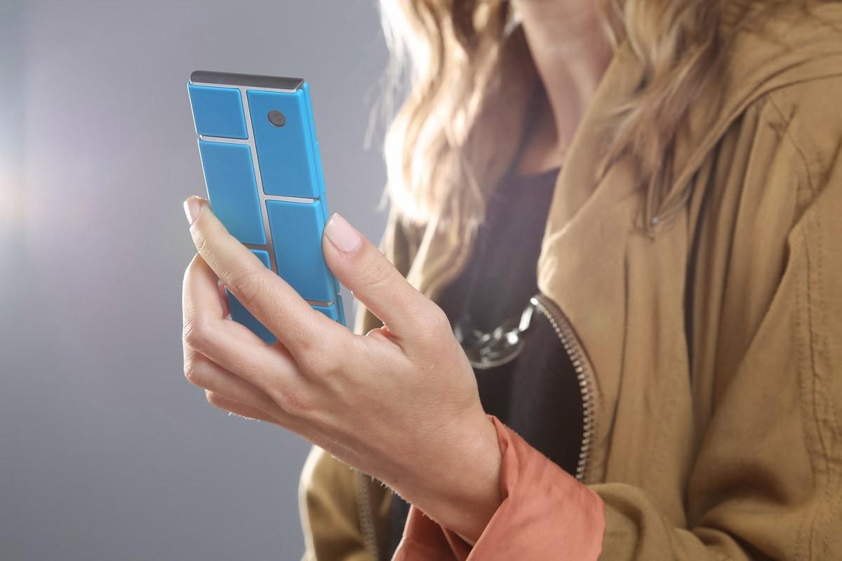 15. В Google заявляют, что продажи модульного смартфона Grey Phone могут начаться уже в 2015 году.