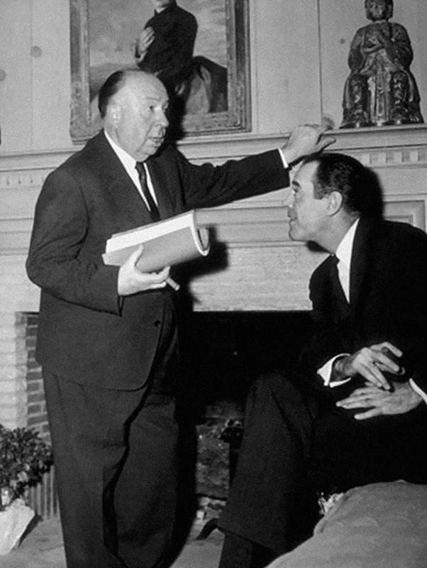 19. С Генри Фондой на съемках фильма «Не тот человек», 1957 год.