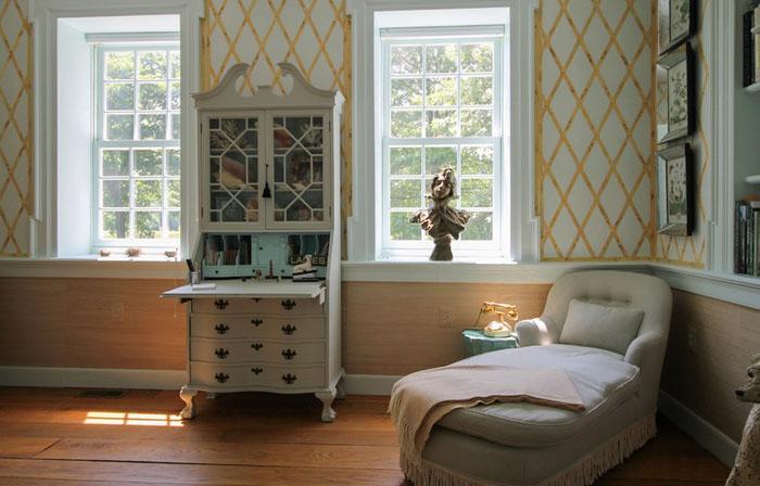 6. Из прихожей можно попасть в небольшую гостиную, которую Сара называет «утренней комнатой».