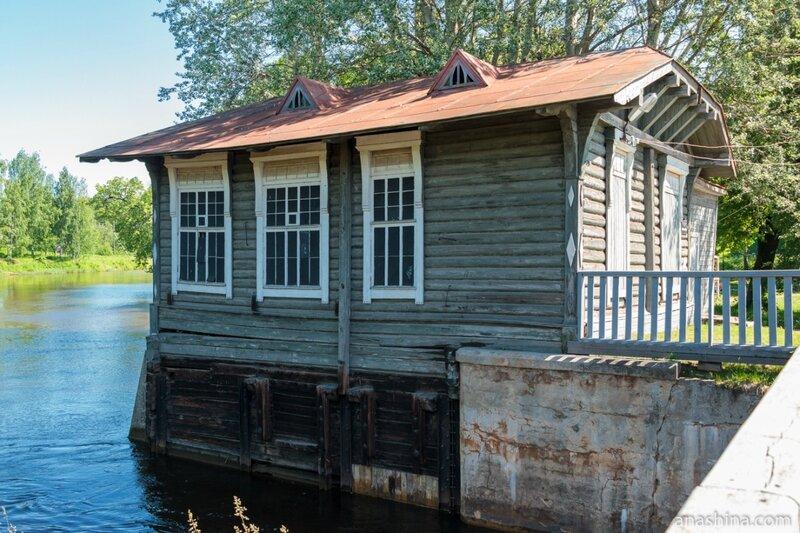 """Здание бывшей гидроэлектростанции Мариинского канала, ныне музей """"Водные пути Севера"""", Вытегра"""