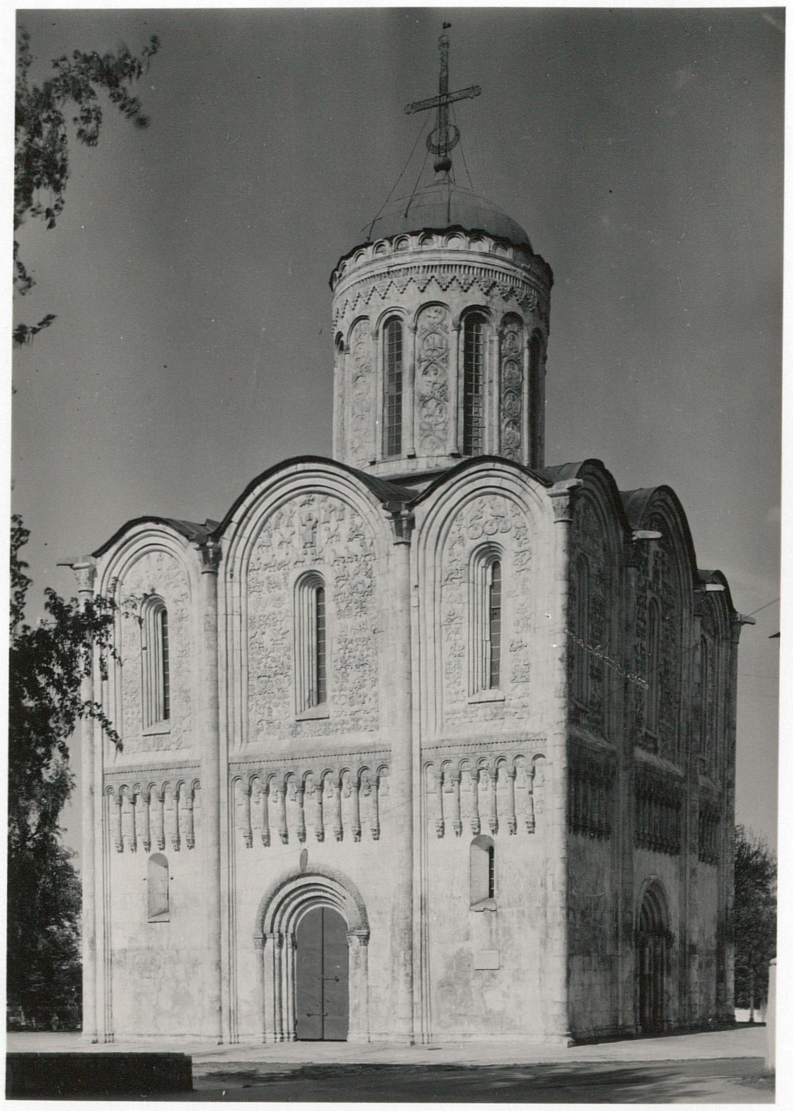 Владимир. Дмитриевский собор. Западная сторона