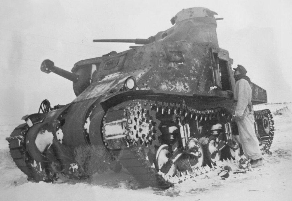 Танк М3с из 101-й тбр подбитые Тросненском районе Орловской обл. 22 февраля 1943 года.