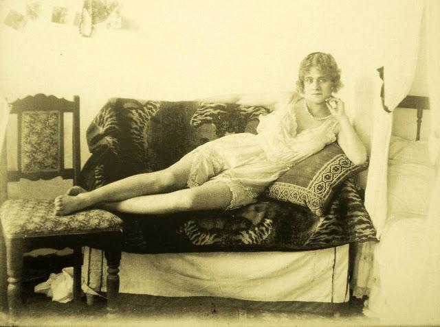 Как менялись лица иранских женщин 1920-1950-х годов (22 фото)