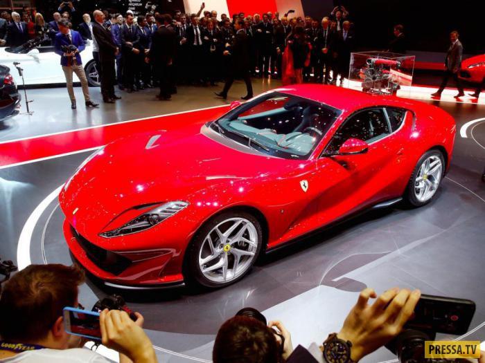 Великолепный автомобиль от итальянской компании Ferrari впервые был представлен на Женевском автосал