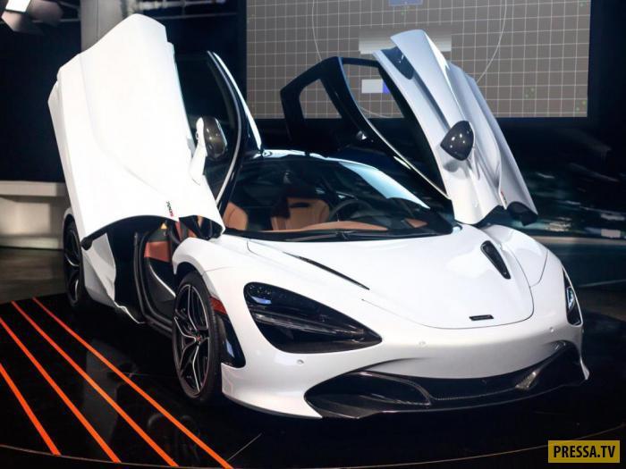 """Автомобиль, представляющий второе поколение """"Суперсерии"""" от производителя гоночных машин"""