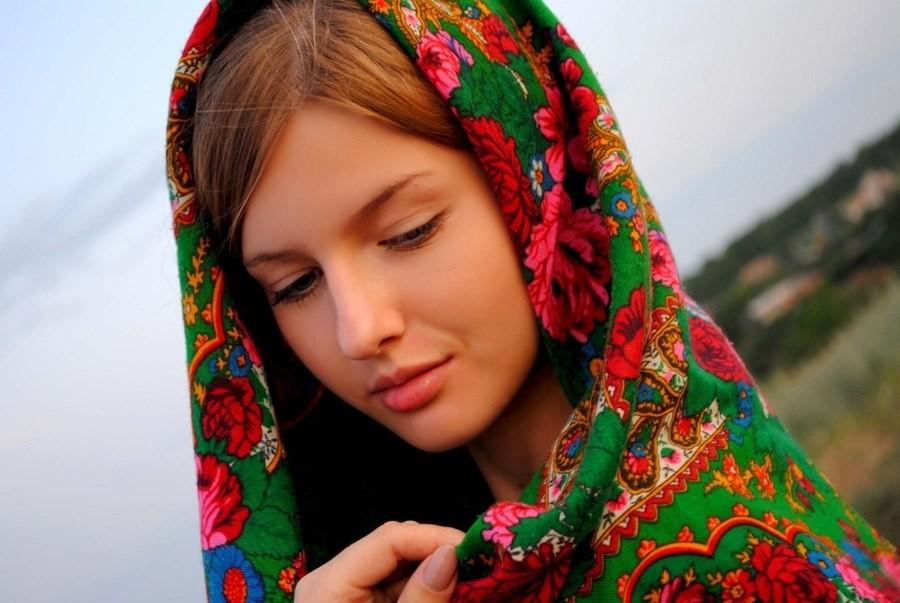 1. Они слишком красивы Для большинства российских девушек жизнь — это подиум, поэтому они всегда дол