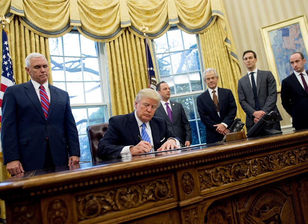 5. Президент США Дональд Трамп, вице-президент США Майк Пенс и спикер Палаты представителей Пол