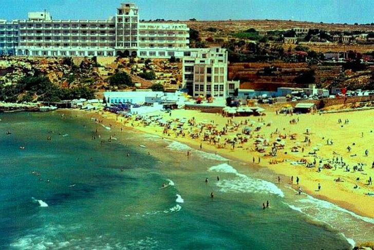23. Меллиха. Меллиха-Бей – крупнейший песчаный пляж Мальты, который по праву считается одним из лучш