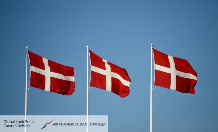 Премьер Дании отложил визит премьера Турции изсолидарности сНидерландами