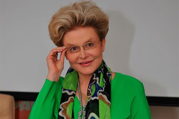 Елена Малышева опровергла слухи освоем «голом» селфи