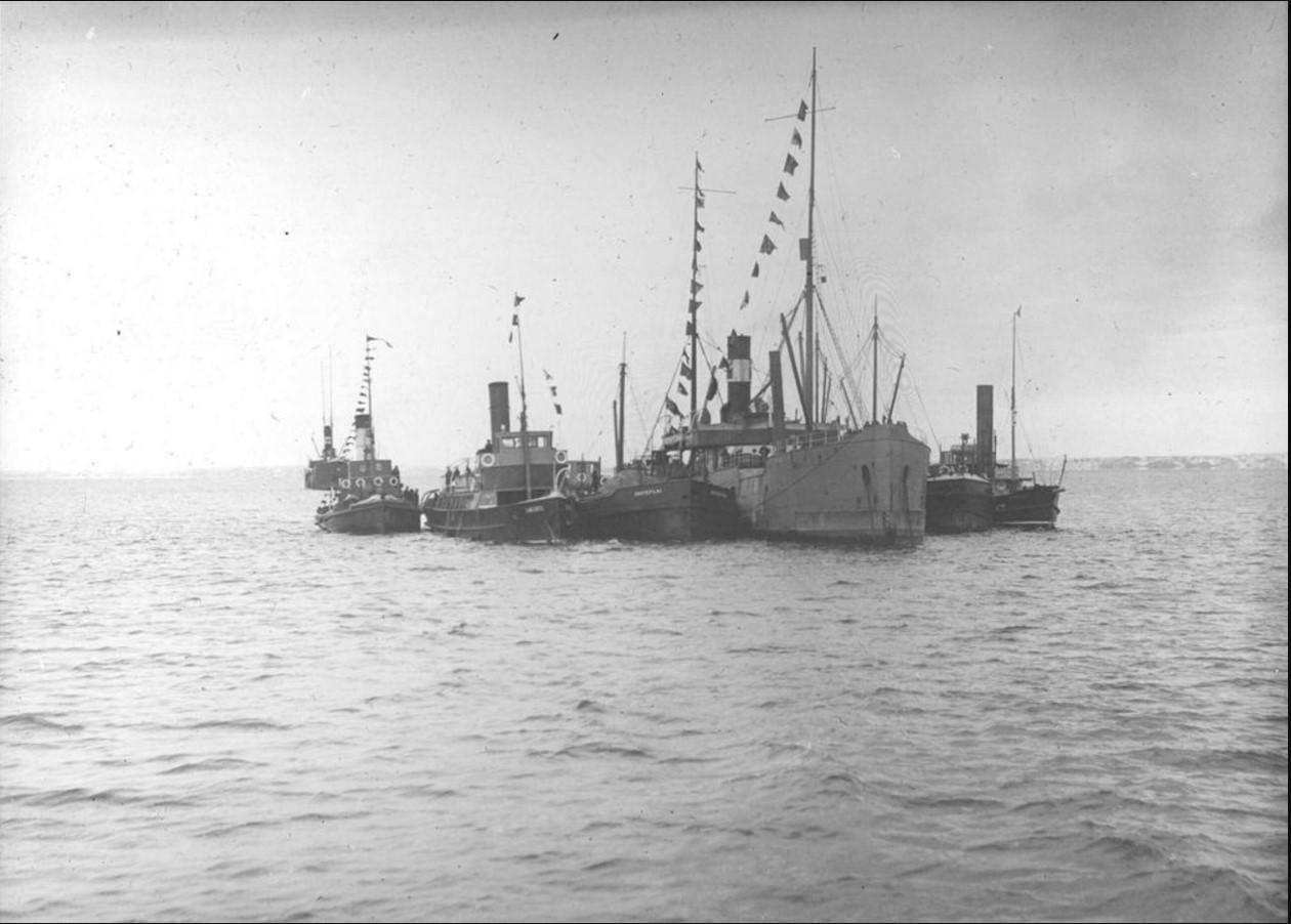 05 сентября 1914. Перегрузка парохода «Рагна» у Насоновского острова