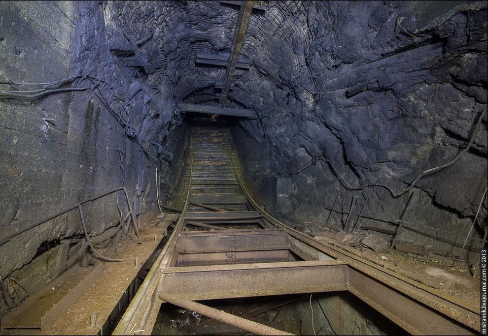 Силы уже были на исходе, поэтому привалы приходилось делать через каждые 40-50 метров подъема.
