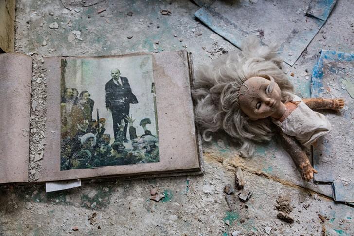 7. …или кукол и рисунков Ленина.