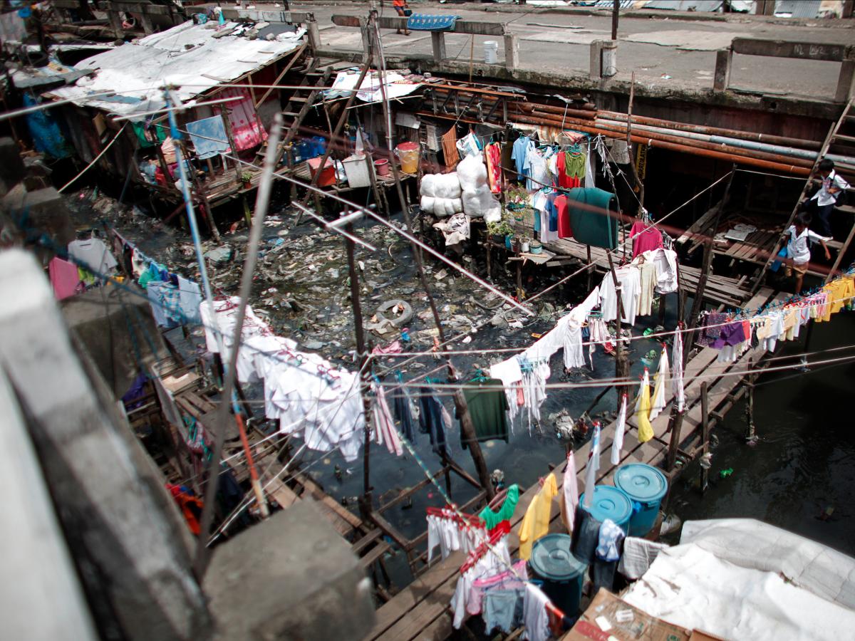 Столица Манила находится на северо-западном побережье Филиппин. В городе есть развивающийся деловой