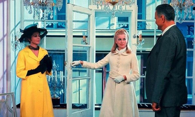 Итальянская актриса Софи Лорен Кадр из фильма « Вчера, сегодня, завтра», 1963 год