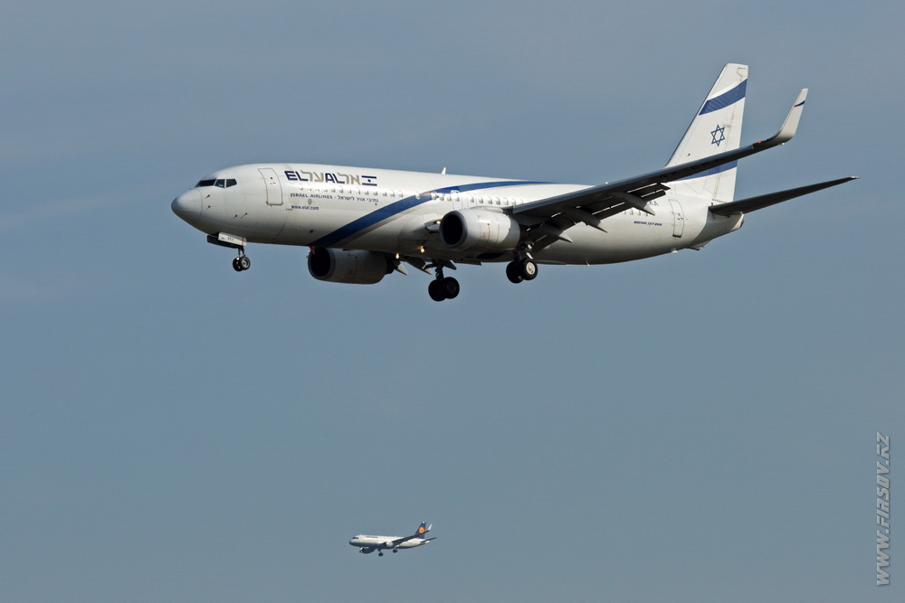 B-737_4X-EKA_El_Al_Israel_Airlines_2_FRA.JPG