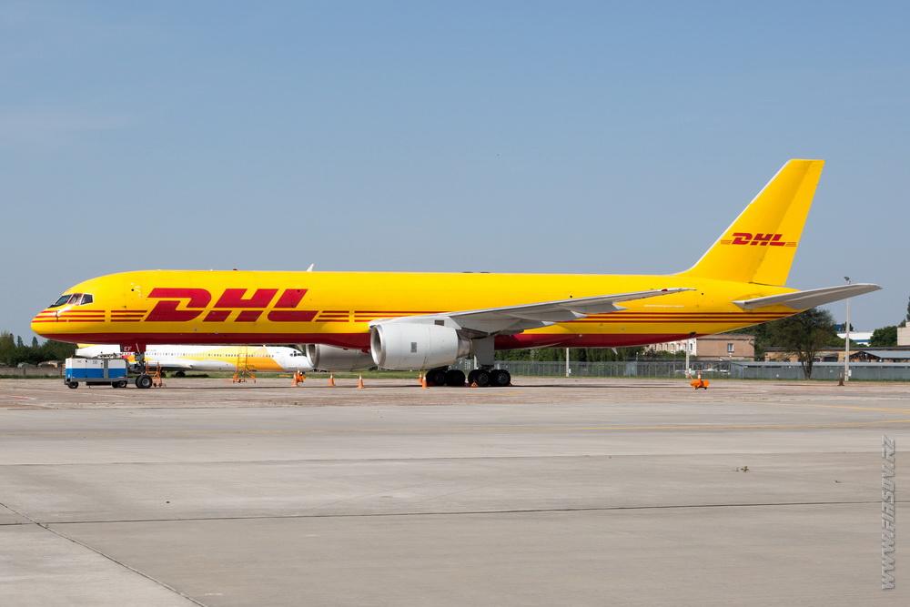 B-757_D-ALEF_DHL_2.JPG