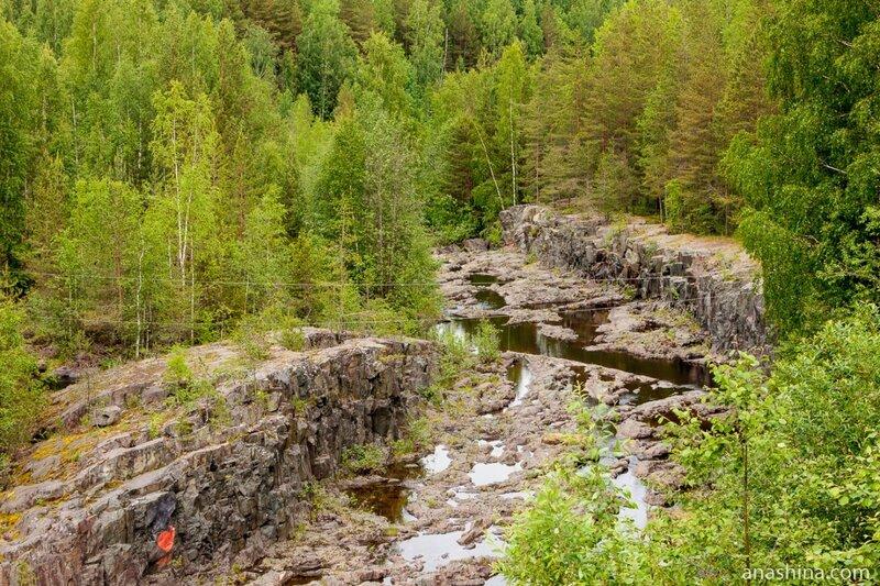 Водоспуск, река Суна, Карелия