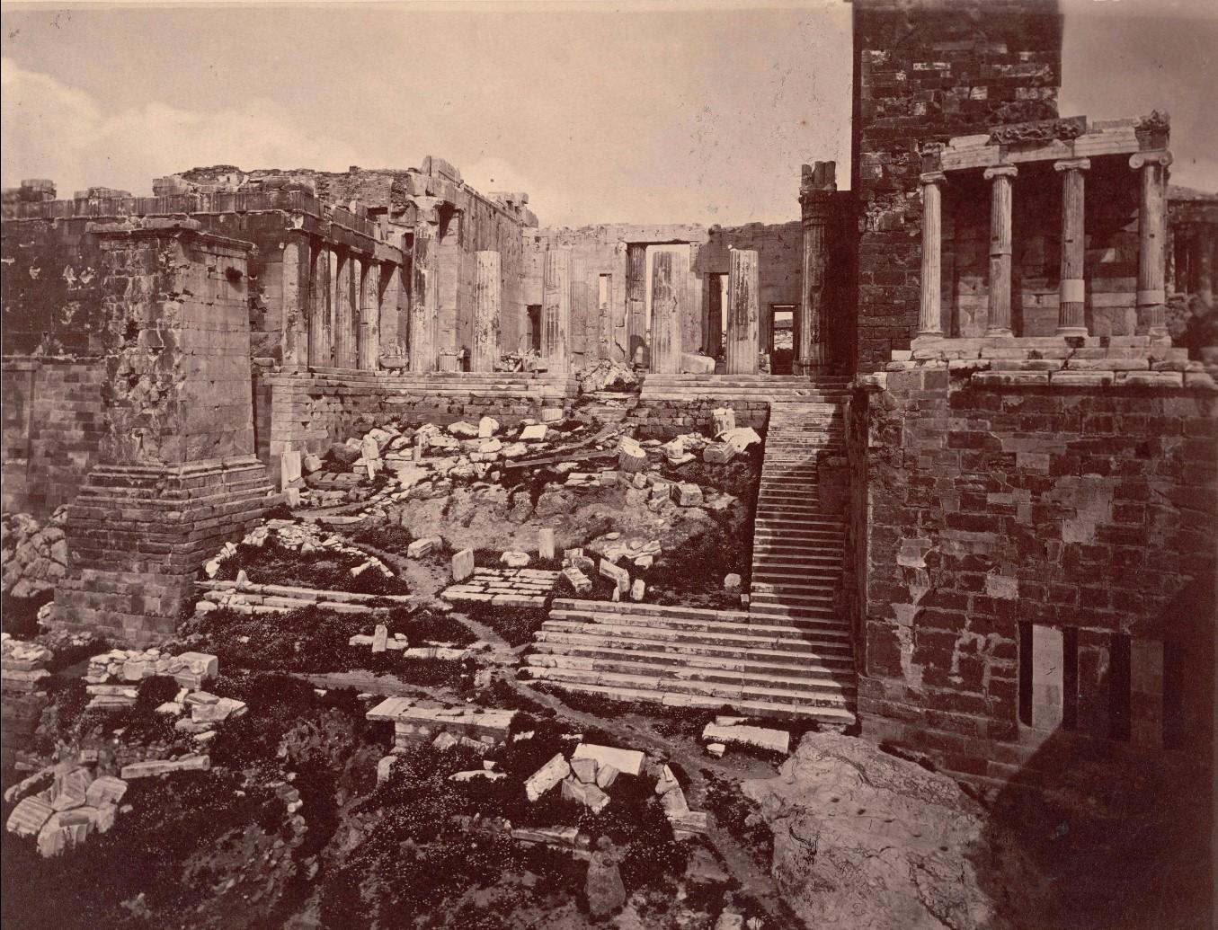 Акрополь. Пропилеи