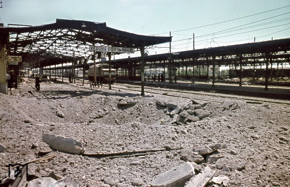 Destruction in the Verona Porta Nuova railway station.jpg