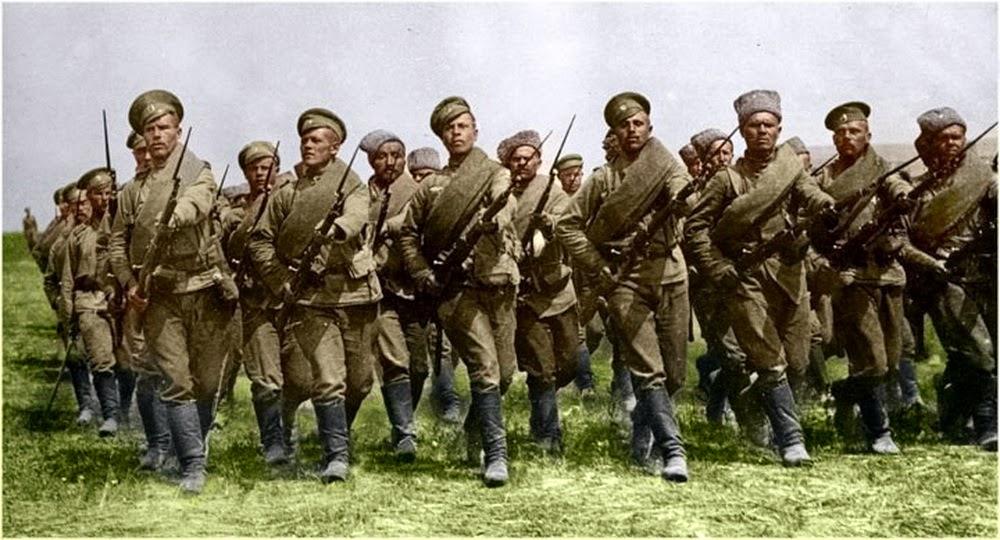 Русский паровой каток. 1914..jpg