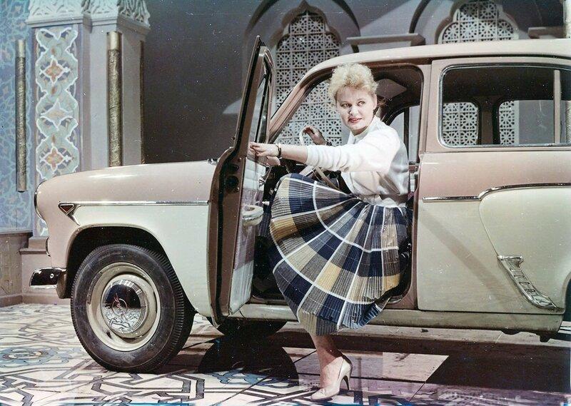 1961 «Москвич-407» на ВДНХ, фото для журнала «За рулем».jpg